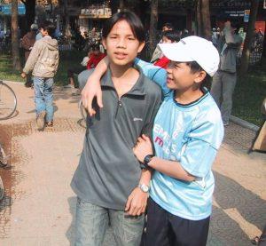 Diep in 2003, mit einem Freund